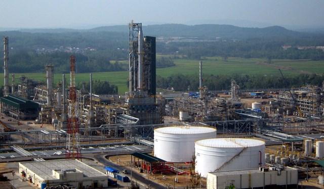 Các thương gia dầu mỏ thuê kho chứa của Hàn Quốc sau khi nhu cầu Trung Quốc giảm