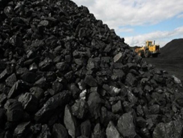 Nhập khẩu than của Trung Quốc tạm thời bị giảm do cơn bão của Australia