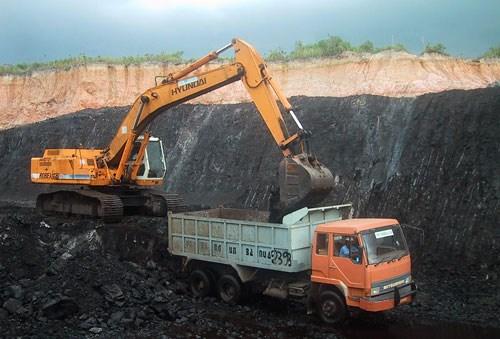Khai thác than và sự đánh đổi với môi trường