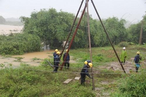 Điện lực miền Trung thiệt hại hàng tỷ đồng vì bão số 3