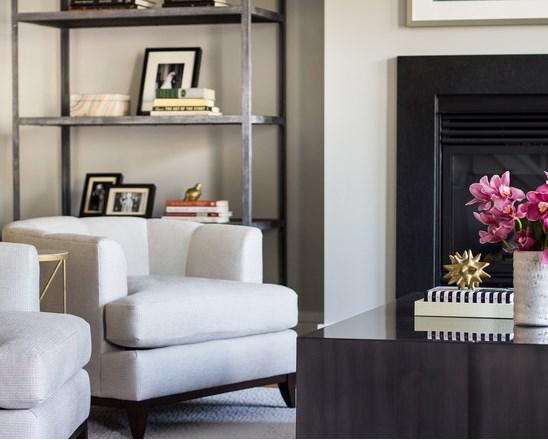 Thiết kế phòng khách lịch lãm với bàn ghế thanh mảnh