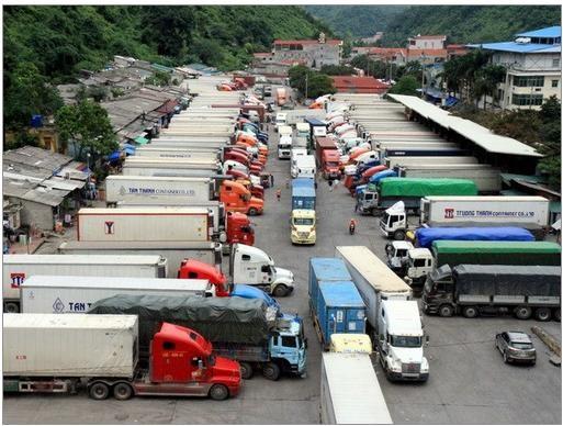 Tiến độ thông quan hàng hóa tại cửa khẩu Tân Thanh được cải thiện