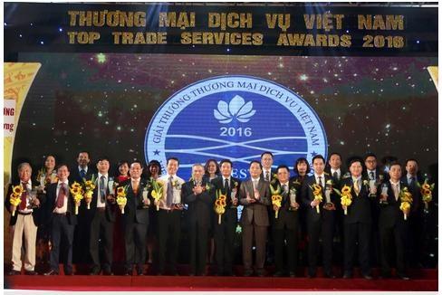 Các doanh nhân, doanh nghiệp Dầu khí nhận Giải thưởng Thương mại dịch vụ 2016
