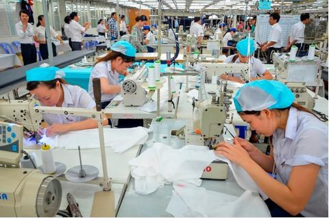 Hưng Yên: Hỗ trợ phát triển sản xuất may công nghiệp