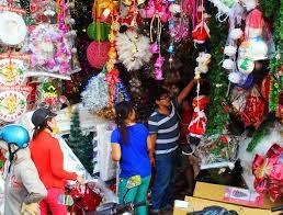 Rộn ràng hàng Việt mùa Giáng sinh