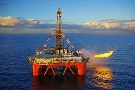 Petrovietnam khai thác dầu thô vượt 323 ngàn tấn