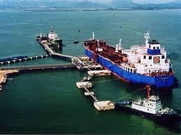 Xuất khẩu xăng dầu: lượng suy giảm nhưng kim ngạch tăng trưởng