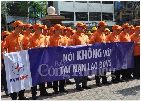 """EVNNPC: Nói """"không"""" với tai nạn lao động"""