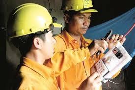 EVN SPC sửa điện miễn phí cho hơn 4.000 hộ dân nghèo