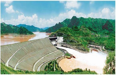 """Thủy điện Hòa Bình: """"Nguồn sáng"""" trên sông Đà"""