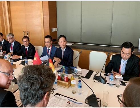 Bộ trưởng tham dự Hội nghị Châu Á-Thái Bình Dương của giới kinh tế Đức tại Jakarta
