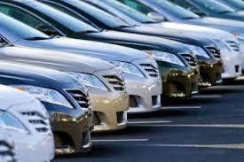 Thị trường ô tô bất ngờ sụt giảm