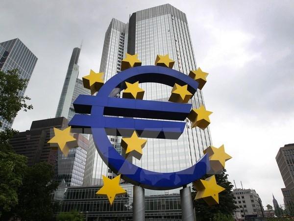 ECB đặt mục tiêu đưa lạm phát khu vực Eurozone lên 2%