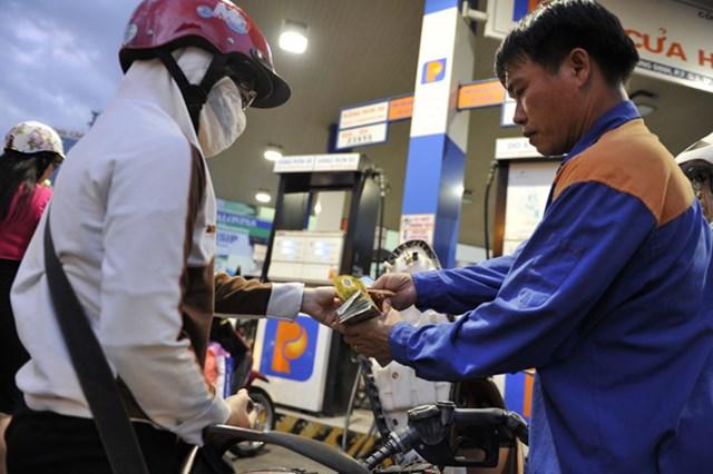 Hiệp hội xăng dầu kiến nghị giảm thuế nhập khẩu dầu