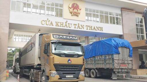 Hơn 1.800 xe hàng hóa đã được thông quan qua các cửa khẩu biên giới phía Bắc
