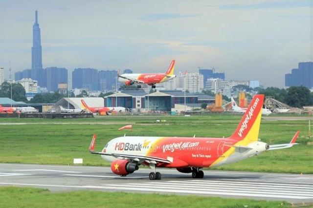Dịch COVID-19: Các hãng hàng không thông báo tăng tần suất bay từ 16/4