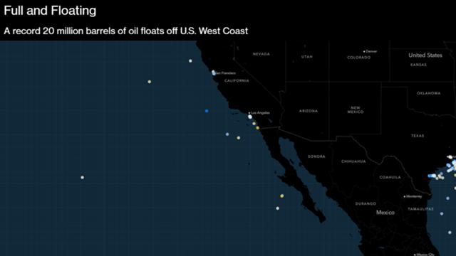Hàng loạt tàu chở dầu lang thang trên biển