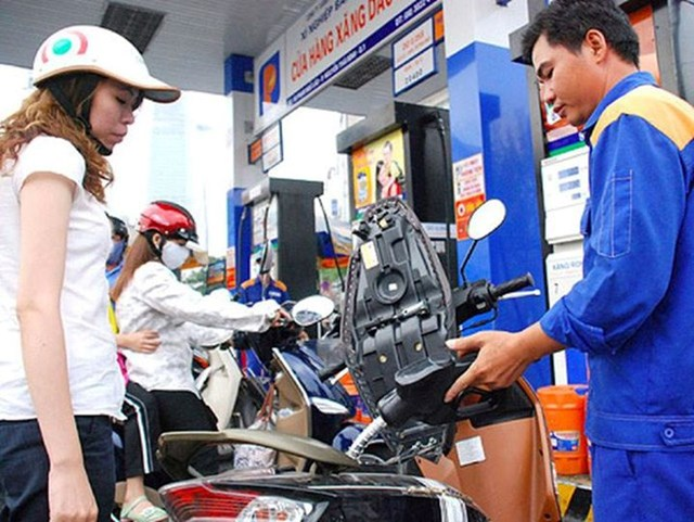Giá xăng, dầu tiếp tục được điều chỉnh tăng