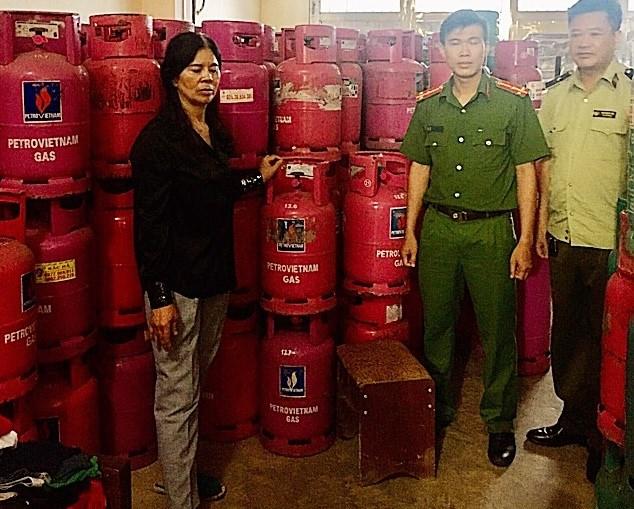 Lào Cai tạm giữ 144 LPG chai nhãn hiệu PetroVietNam Gas không rõ nguồn gốc xuất xứ
