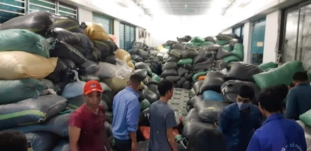 Thuê 2000m2 nhà xưởng dùng để đóng găng tay tái chế tại khu Công nghiệp Lương Sơn