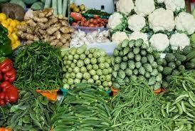 Giá thực phẩm ngày 12/8/2020: Rau củ tiếp tục tăng do thời tiết bất lợi
