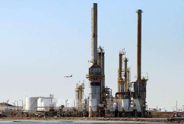 OPEC đối mặt với thời điểm khó khăn lịch sử