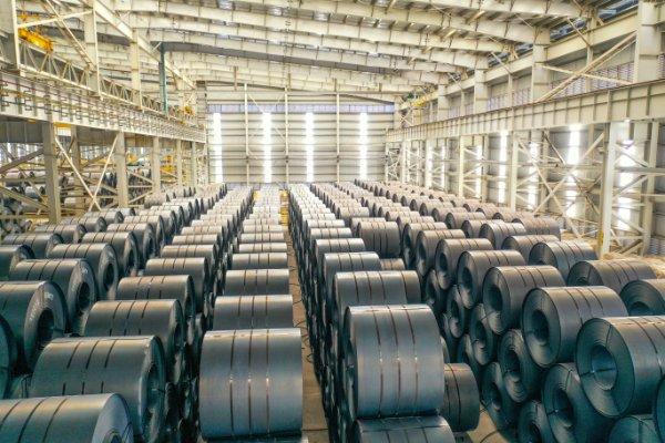 Sản lượng thép toàn cầu trong tháng 4/2021 tăng 23% do giá cao