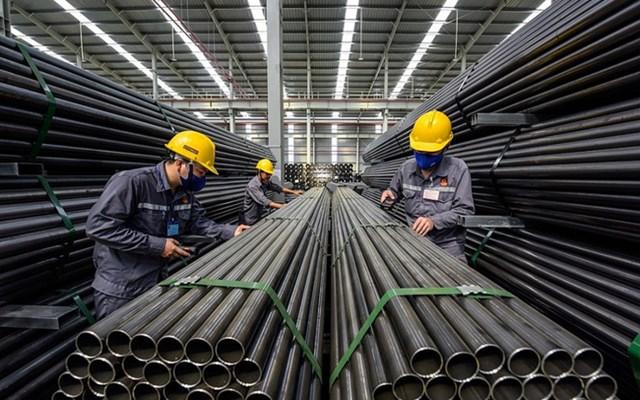 """VNDirect: """"Đà tăng của giá thép thiếu bền vững, định giá cổ phiếu thép đang ở mức cao nhất thập kỷ"""""""
