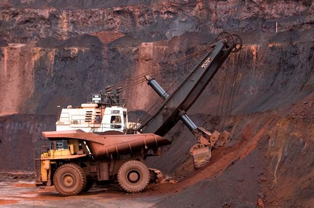 Giá quặng sắt ngày 13/7: Nguồn cung khan hiếm đẩy giá tăng