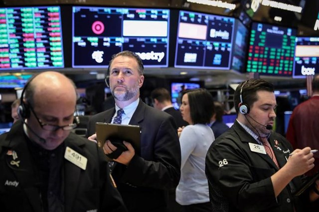 Chứng khoán Mỹ giảm, chấm dứt chuỗi ngày tăng liên tiếp