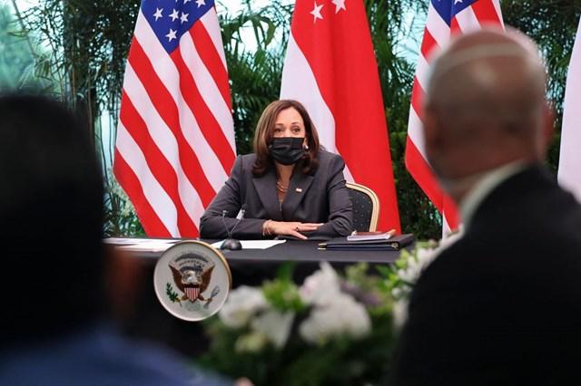 Phó Tổng thống Mỹ khởi hành đến Việt Nam sau hơn 3 tiếng bị hoãn
