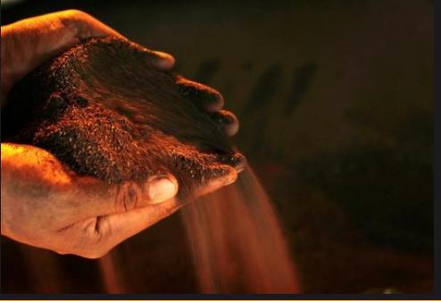 Giá kim loại ngày 10/9: Quặng sắt dao động gần mức thấp nhất trong 7 tháng