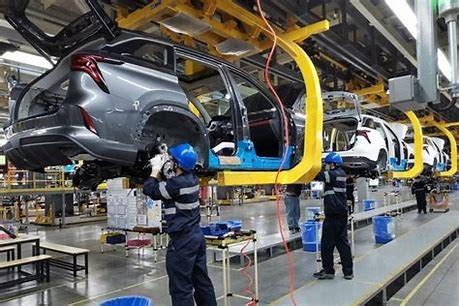 Doanh số bán xe điện tăng cao khiến giá lithium tăng do thiếu hụt