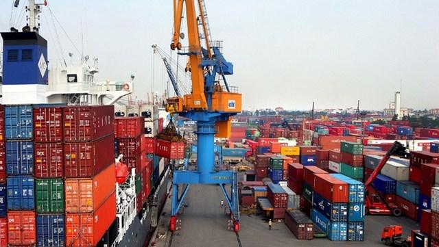 Gần 2 triệu tấn gạo xuất khẩu qua cảng TPHCM