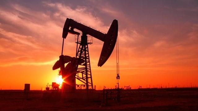 Giá dầu Brent vượt qua 70 USD/thùng