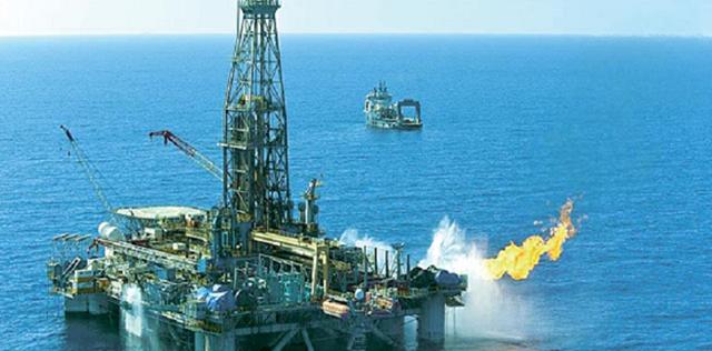Giá dầu giảm ngày thứ 5 liên tiếp
