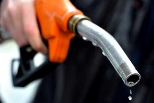 Lượng tiêu thụ xăng của Mỹ gần về mức trước đại dịch