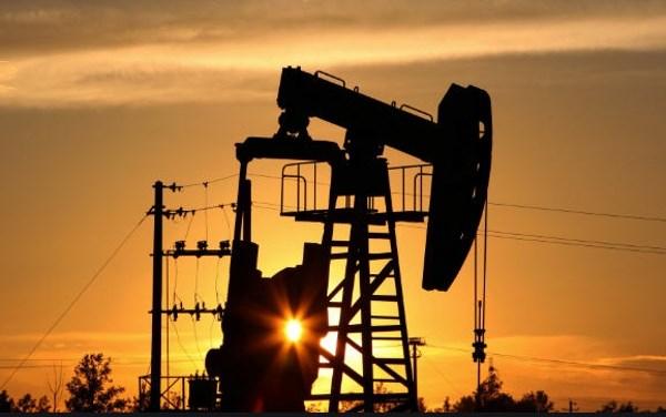 Giá dầu thế giới ngày 3/6 tăng vững
