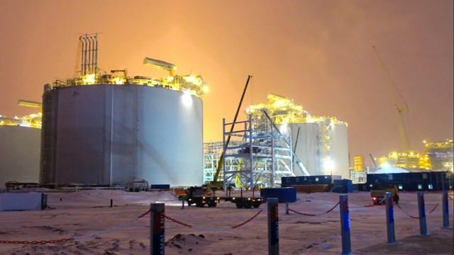 Dữ trữ dầu thô của Mỹ giảm mạnh