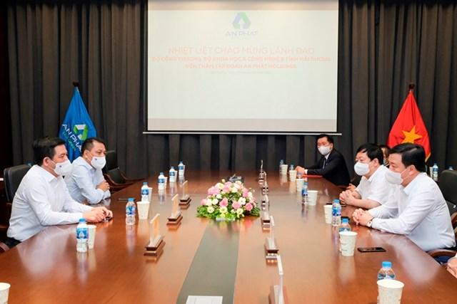 Bộ Công Thương đồng hành cùng doanh nghiệp phát triển chuỗi cung ứng xanh