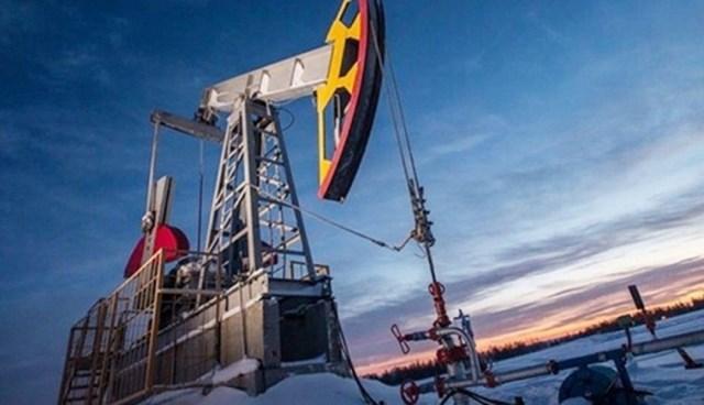 Giá dầu Brent tăng 8% trong tháng 6/2021