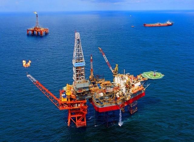 Nguồn cung dầu của khu vực ngoài OPEC trong tháng 5/2021 tăng