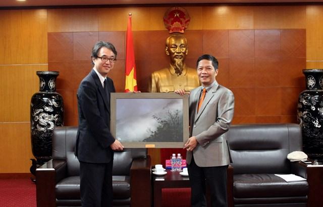 Bộ trưởng Trần Tuấn Anh tiếp Trưởng Văn phòng đại diện JETRO tại Hà Nội