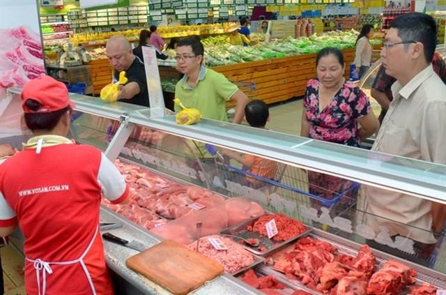 Doanh nghiệp bắt đầu cấp đông, 'giải cứu' thịt lợn
