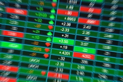 Chứng khoán sáng 8/5: Dòng tiền chảy mạnh, VN-Index vẫn ngậm ngùi thoái lui