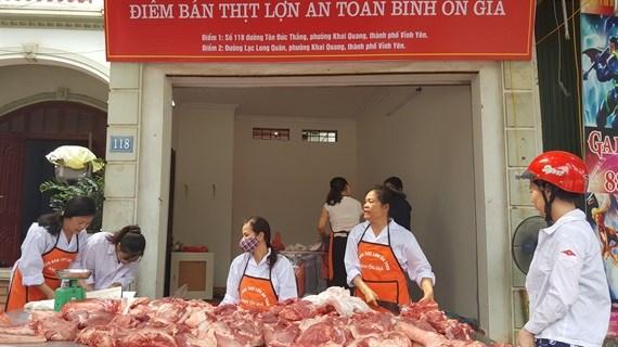 Vĩnh Phúc bắt đầu ra tay 'giải cứu' người nuôi lợn