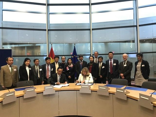 Việt Nam và EU ký Hiệp định VPA về thực thi lâm luật, lâm sản (FLEGT)