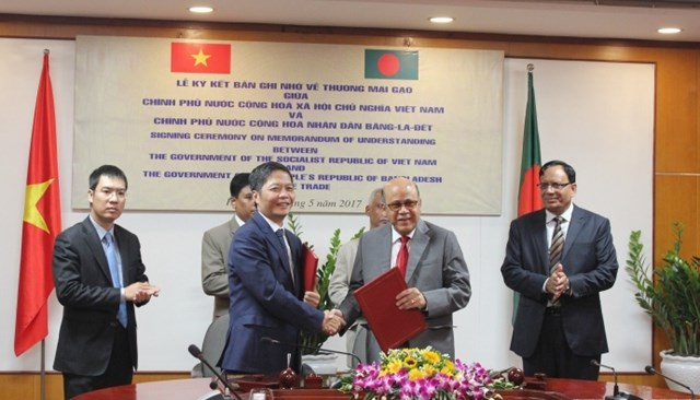 Việt Nam và Băng-la-đét ký kết gia hạn MOU về Thương mại gạo cấp Chính phủ