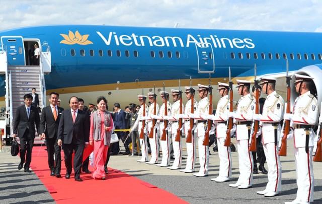 Thủ tướng Nguyễn Xuân Phúc và phu nhân được chào đón nồng nhiệt tại Nhật Bản