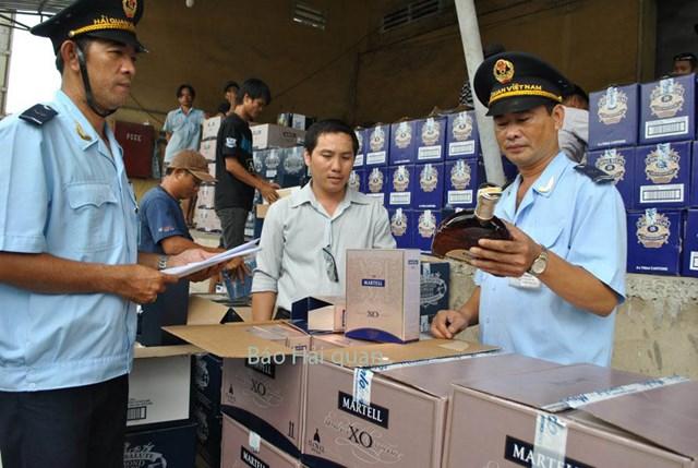 Đề xuất sửa quy định về chế độ ưu tiên trong thủ tục hải quan